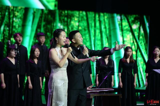 """<b>""""诗韵天府""""大型合唱音乐会上演 音乐演绎古诗词旋律之美</b>"""