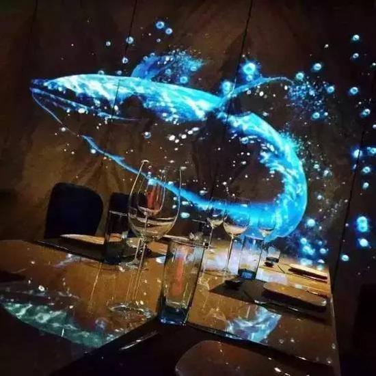 全息餐厅-鲸鱼跳跃效果
