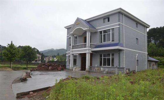 户主全款530万买新房,却被禁止入住,还要照收物业费?
