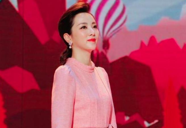 著名央视主持人李思思,嫁给65岁老公,原因竟是这样!_网易新闻