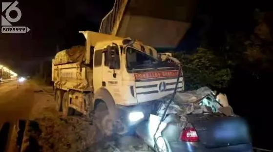 深夜悲剧!昆明一渣土车与两车相撞致4人死亡  疯狂渣土车,何时能休?