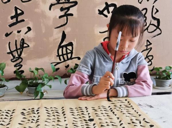 宁夏西吉县第四届七彩假期公益讲堂上半期活动风采