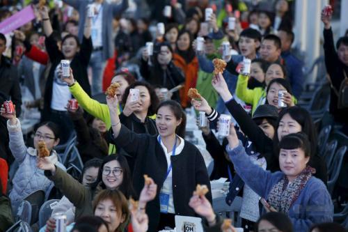殴打中国游客、禁止中国人吃饭,如今却呼吁中国游客要宽容!