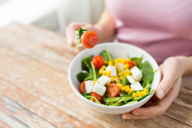 癌症的首恶总算找到了,远离恶性肿瘤,五种食物最好撤下餐桌