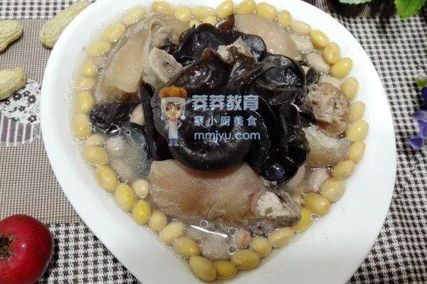 催乳食谱——营养猪脚汤
