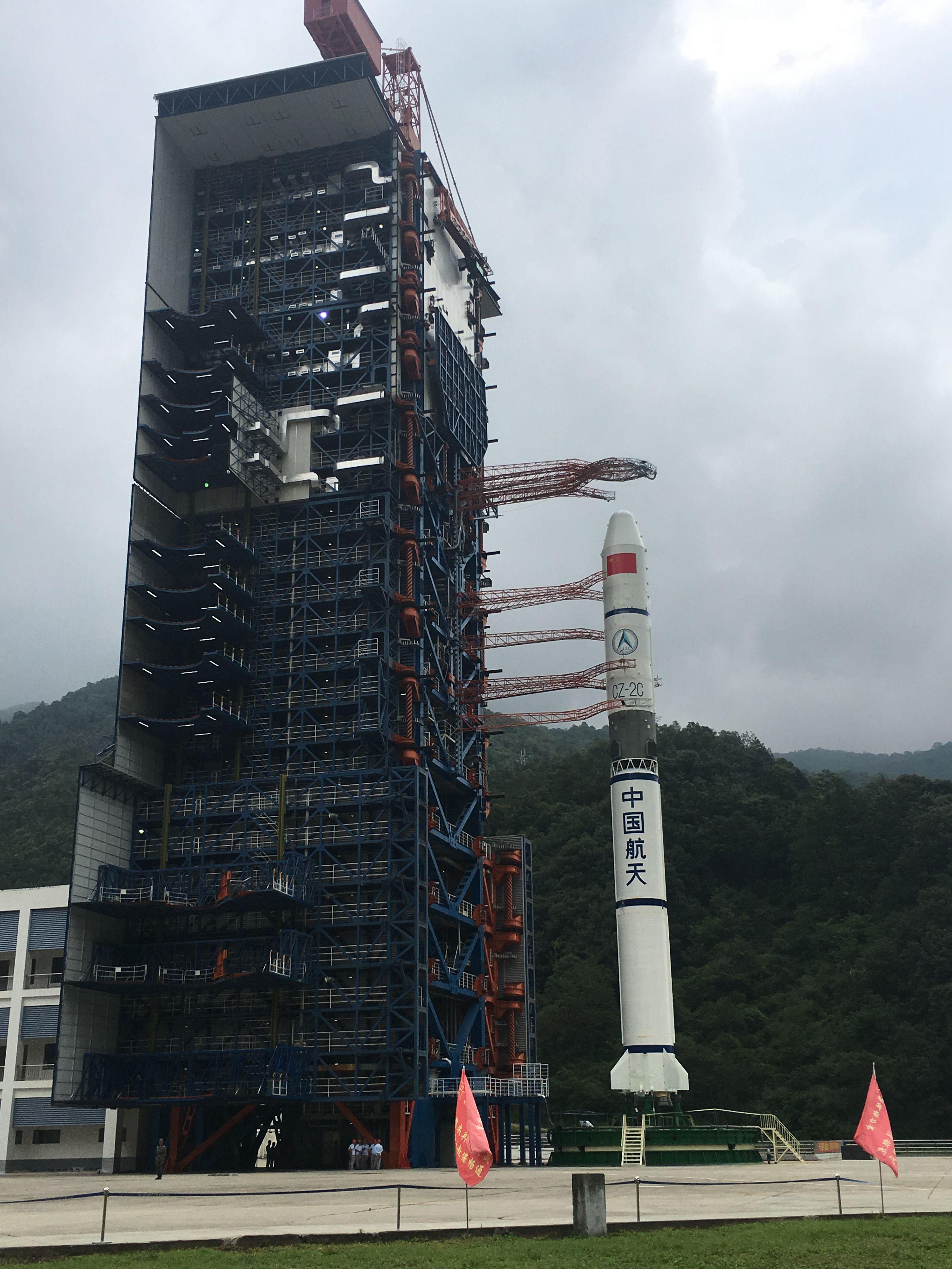 """中国长征火箭走出重复使用第一步:残骸首次""""指哪落哪"""""""
