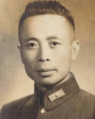 抗战时他身中三弹被救活,把远征军长官遗体带回国,是个忠义将领