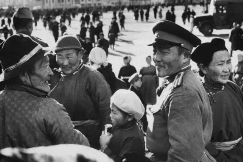 苏联支撑外蒙独立,用这些手段消灭蒙古族特征,令人不忍