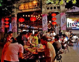 杭州夜市线上重生 烧烤店凌晨迎来用餐小高峰