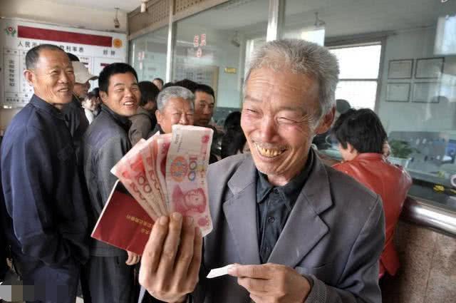 中国人养老到底要靠谁?靠政府还是靠自己