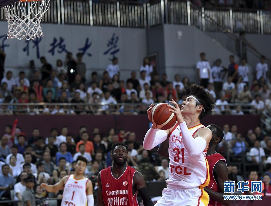 国际男篮对抗赛:中国胜喀麦隆