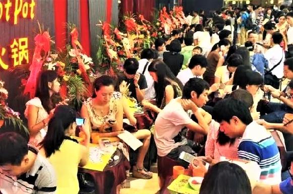 中国餐饮界巨头:他在全球拥有3600万会员,一年进账上百亿