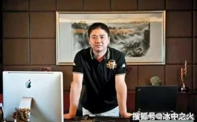 看刘强东的办公室,再看李嘉诚的办公室,却都比不过马云的办公室