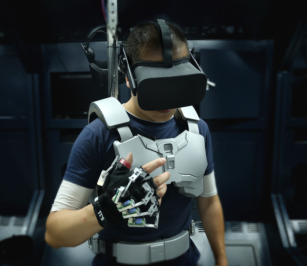 """<b>终结VR眩晕,""""梦语者""""用""""钢铁侠战衣""""破除虚拟现实发展难点</b>"""