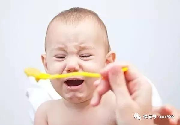 三伏天热的不行,宝宝夏季饮食应该注意这些