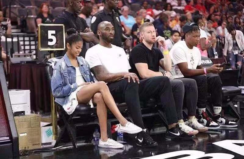 科比 WNBA全明星场边观战,Zoom Kobe 4 全新配色上脚曝光!