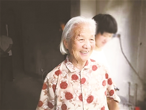 """84岁阿婆的暖心""""拆迁故事"""""""