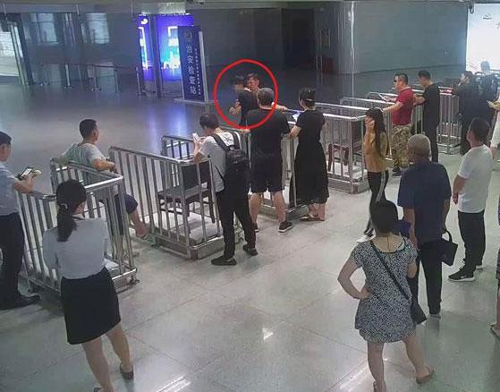 及时出警妥善处置  潍坊铁警成功稳控一名精神病旅客