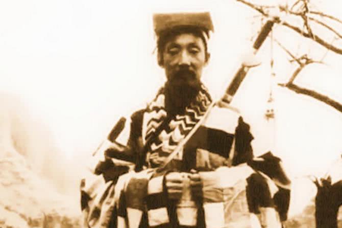 一位道士,乱世下山,为抗日捐赠五根金条,被判15年,55岁去世