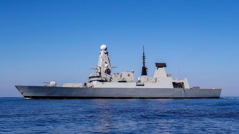 英国与伊朗紧张局势升级后,英国迅速增派最新海军军舰抵达海湾