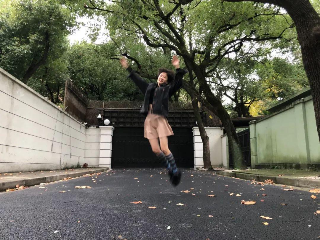 huangseshiipingbuofang_shii 首专《浮动能指》正式发行,以感性之心触碰碎片化世界