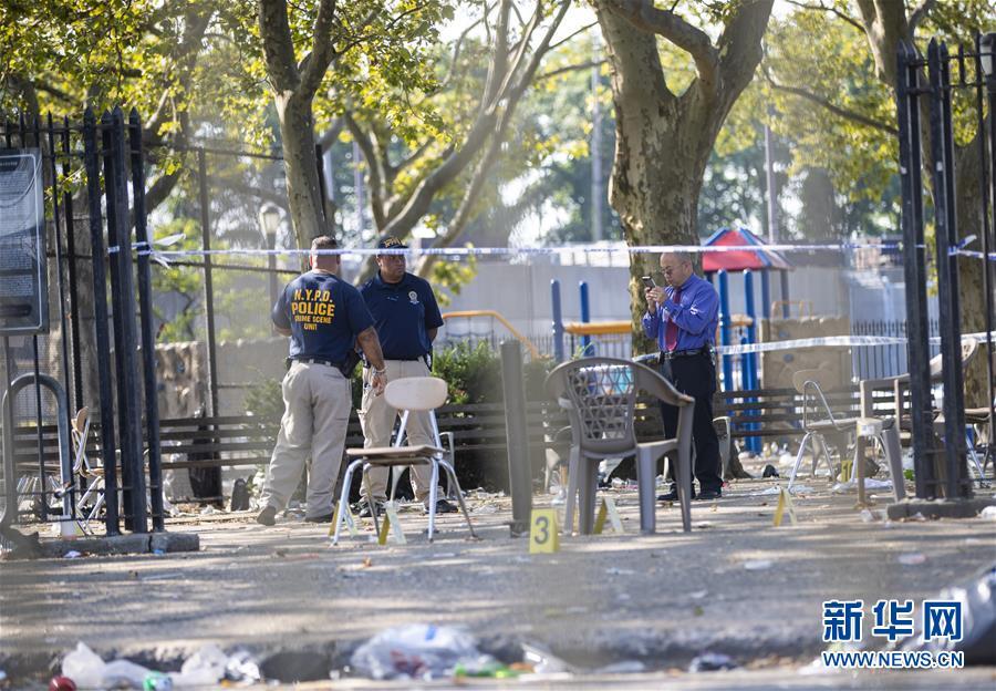 美国纽约布鲁克林发生枪击事件 至少12人死伤