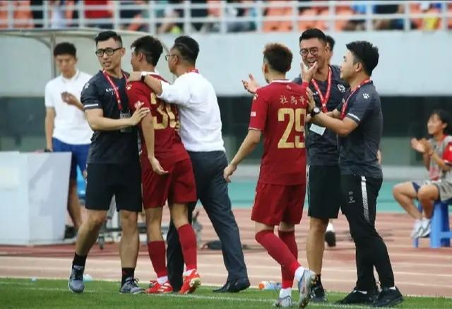 淄博蹴鞠主场2-0战胜河北精英,终结领头羊本赛季不败记录