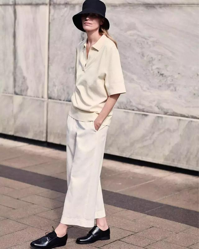 如何将白色穿得很夏天?