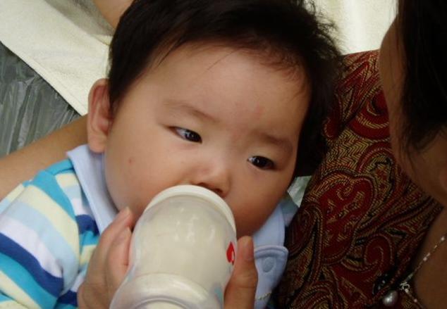 提醒家长:宝宝这2处要多摸,孩子聪明长大个,还有家长不知道