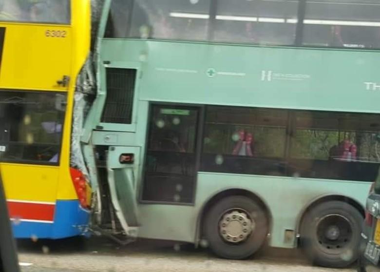 香港大榄隧道两巴士相撞 致77人受伤