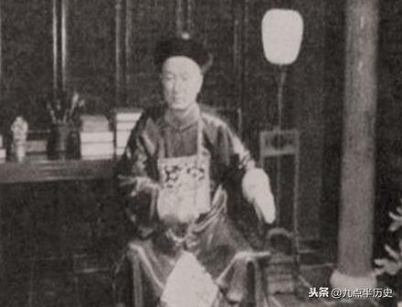 父亲是首富,岳父是总理,慈禧为他取名,他却在66岁穷困潦倒而死