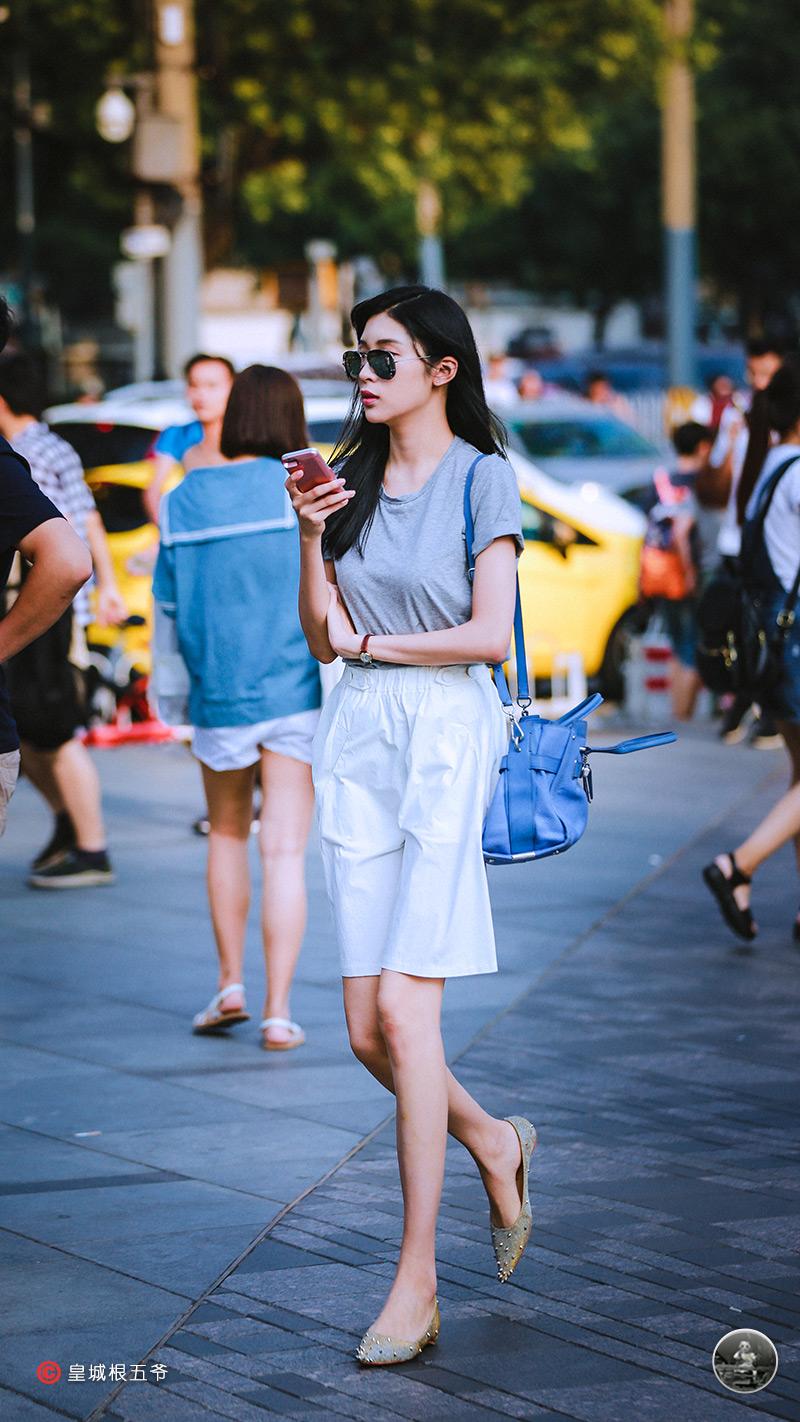 不要隨意的挑選自己的衣服,一定要帶著自己的個人風格去選擇!時尚時裝!