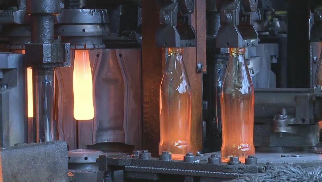世界上最不能停电的工厂,一旦停电机器全报废,可口可乐也得停产
