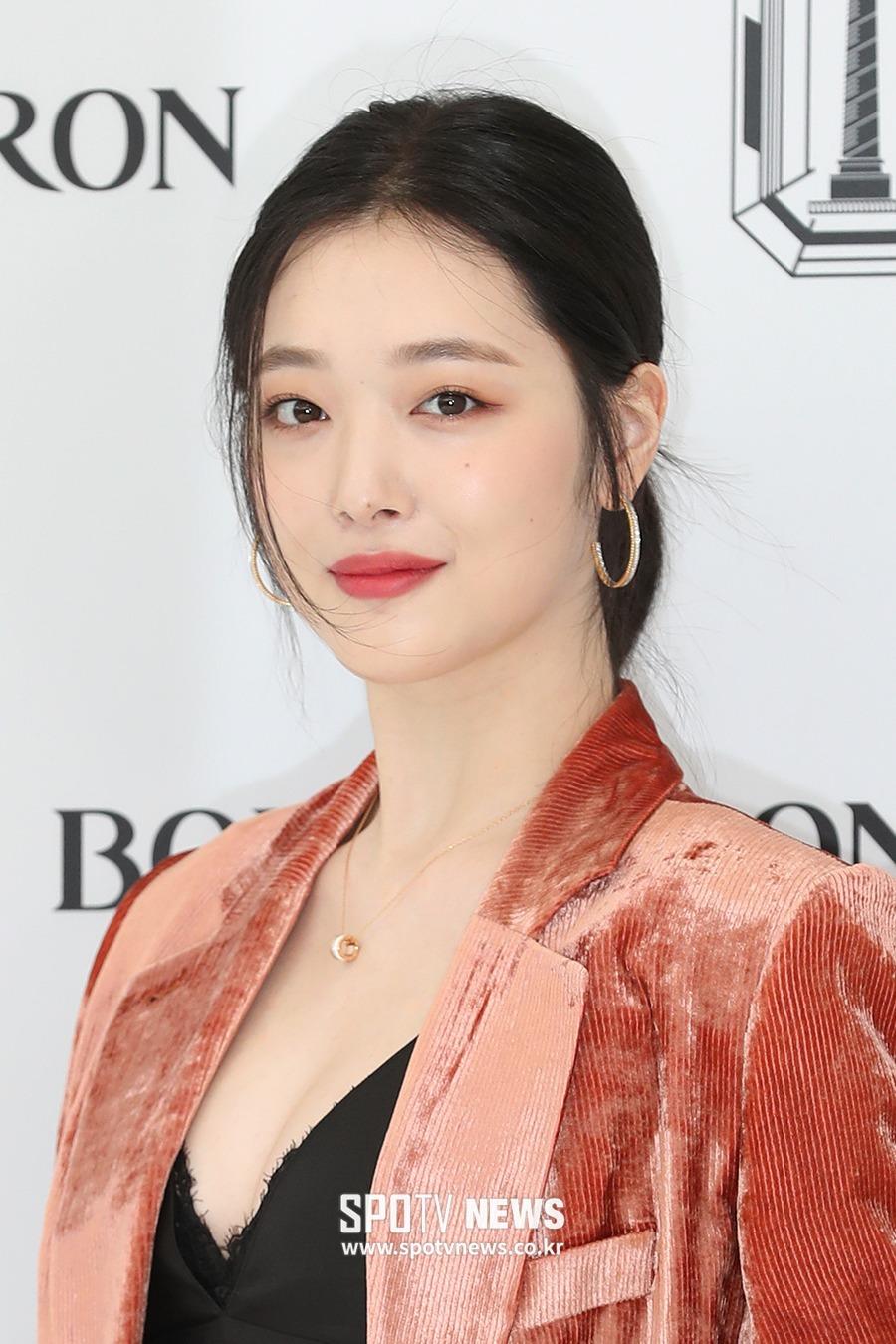 雪莉将特别出演韩国tvN电视剧《德鲁纳酒店》!助阵好朋友IU