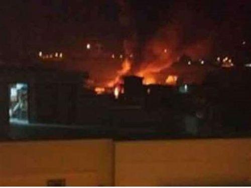 一架小型军用飞机在巴基斯坦坠毁