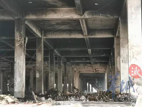 白云区火灾追踪:仓库烧剩骨架,有商户损失过千万