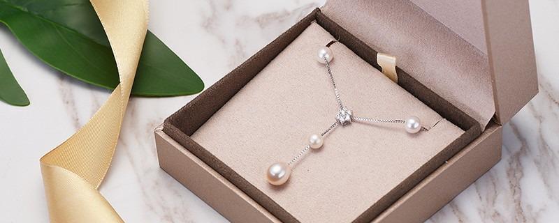 十款贵气珍珠项链赠母亲尽孝心