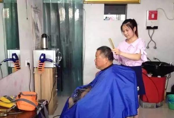 """【关注】棒棒哒!90后女孩当选6月""""安徽好人"""""""