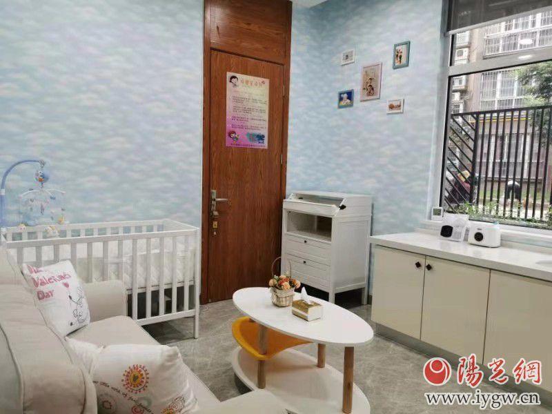 """全省首家面向女职工开放的""""母婴关爱室""""在灞桥区市民中心建成启用"""