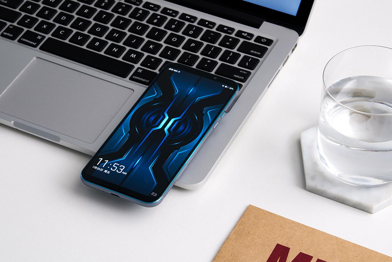 黑鲨游戏手机2Pro图赏:自带外挂!骁龙855Plus硬核体验