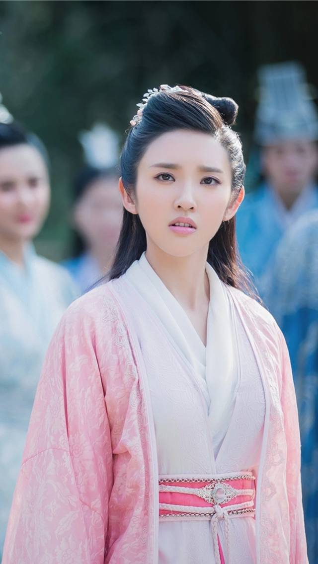 电影版《诛仙》中陆雪琪清新脱俗,而碧瑶成全剧颜值最低