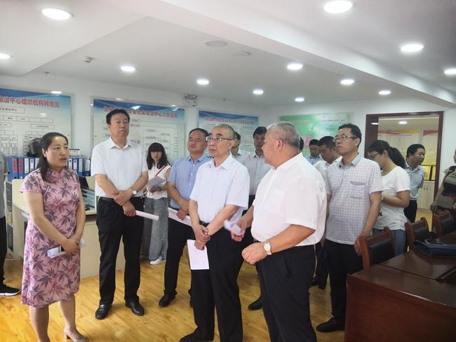 市政法委检查组指导东关街道十方堂社区综治工作