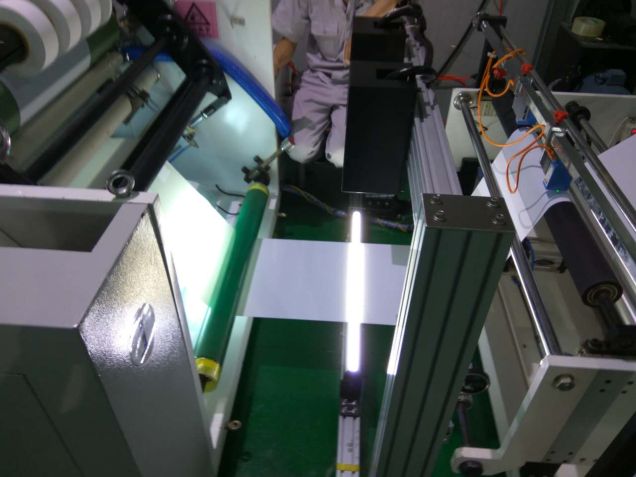 SIMV专业薄膜瑕疵在线检测系统_高精度、无误检