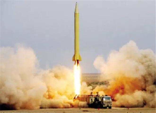 """美英联军接连""""挑衅"""",伊朗忍无可忍,直接下令发射导弹!"""