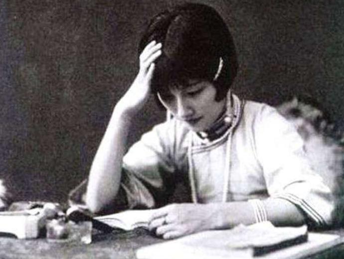 被奉为民国第一美女的陆小曼,为何拍出来的照片总是平平无奇?