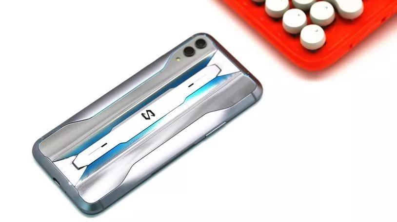 黑鲨游戏手机2 Pro评测:精准操作 性能爆棚