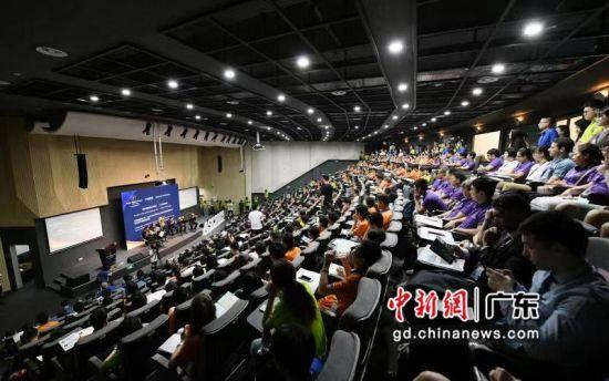 亚洲科学夏令营汕头开营 16位世界级科学家参与