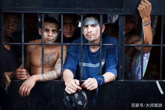 世界上最凶残的监狱,狱警都不敢靠近,让当地政府头疼几十年!