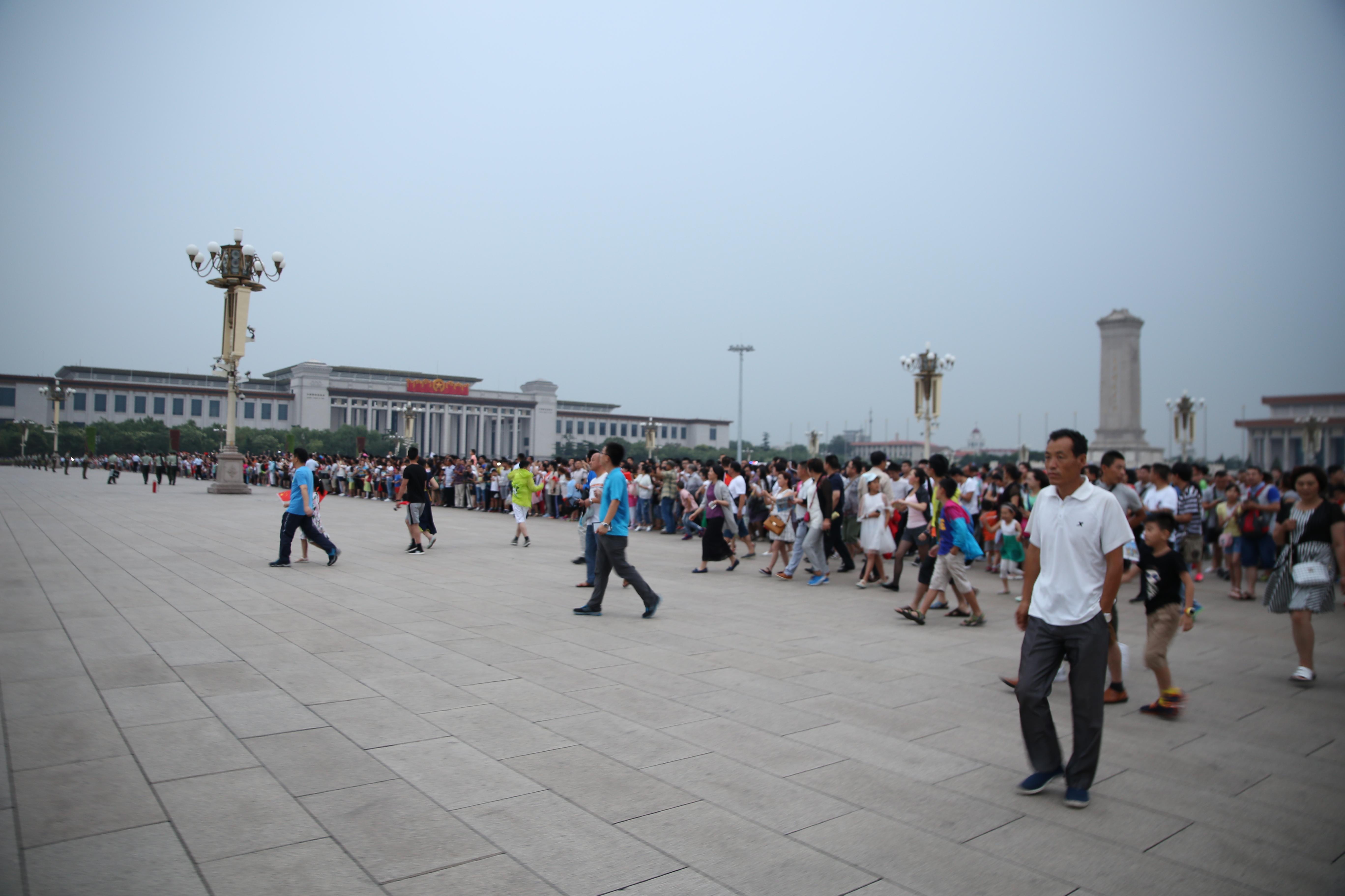 去北京旅游必看的升国旗仪式,知名旅行家为你推荐观看攻略