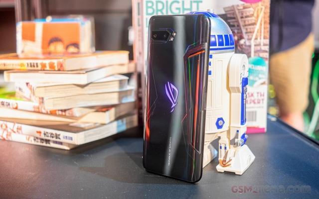 华硕ROG游戏手机2首销73秒破万台 8月4日再次开售